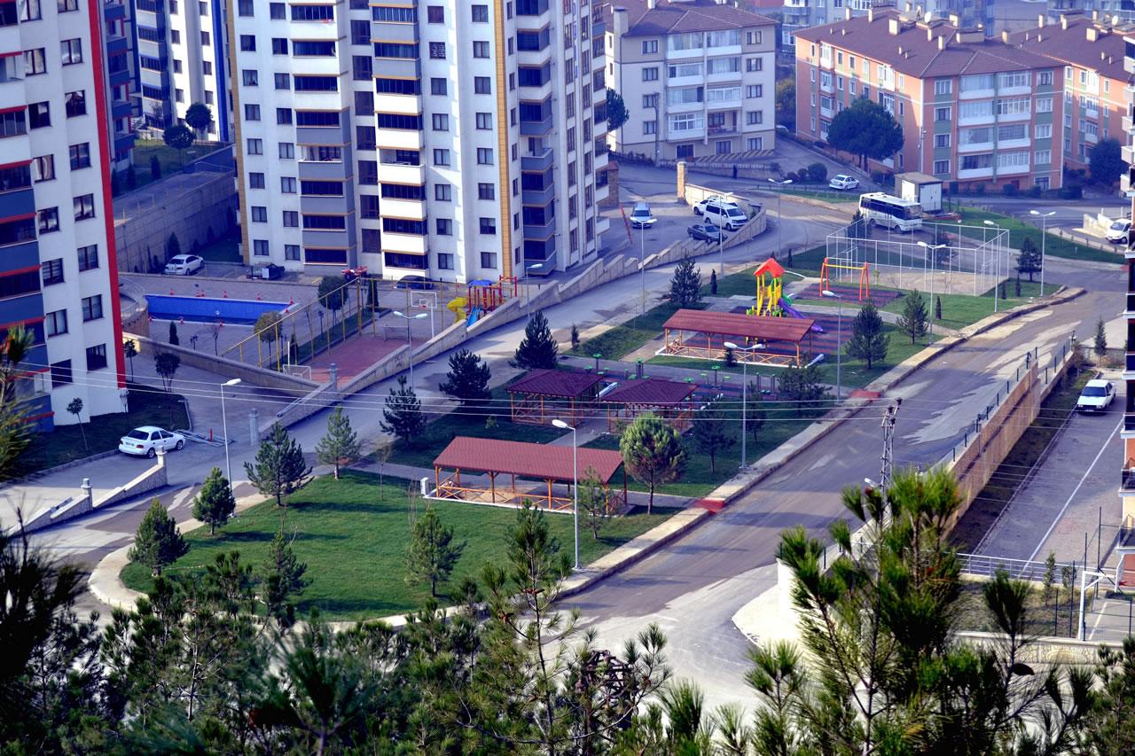 Aydınlıkevler Mahallesi Çebioğlu Evleri Yanı Parkı